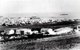 Η πόλη των Χανίων αναπτύσσεται γύρω από τα τείχη στις αρχές του αιώνα. (ΦΩΤ. Π. ΔΙΑΜΑΝΤΟΠΟΥΛΟΥ)